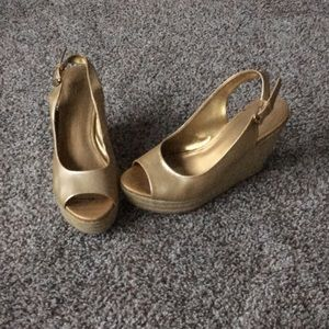 Missimo gold wedge sandals size 7
